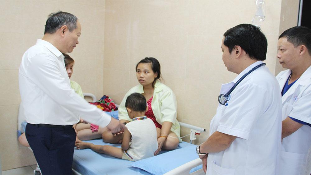 Phú Thọ: 80 trẻ ở Trường Mầm non Thụy Liễu nhập viện với triệu chứng ngộ độc thực phẩm